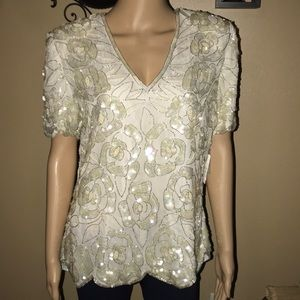 NWT Beautiful beaded blouse 👚